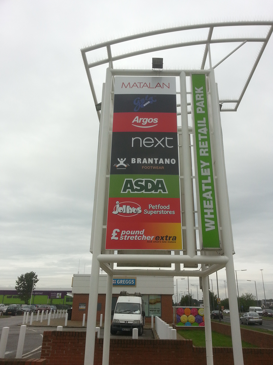Wheatley Retail Park Totem Signage