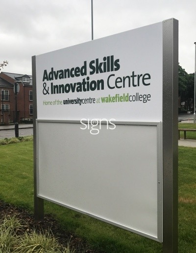 University Centre at Wakefield College University Sign